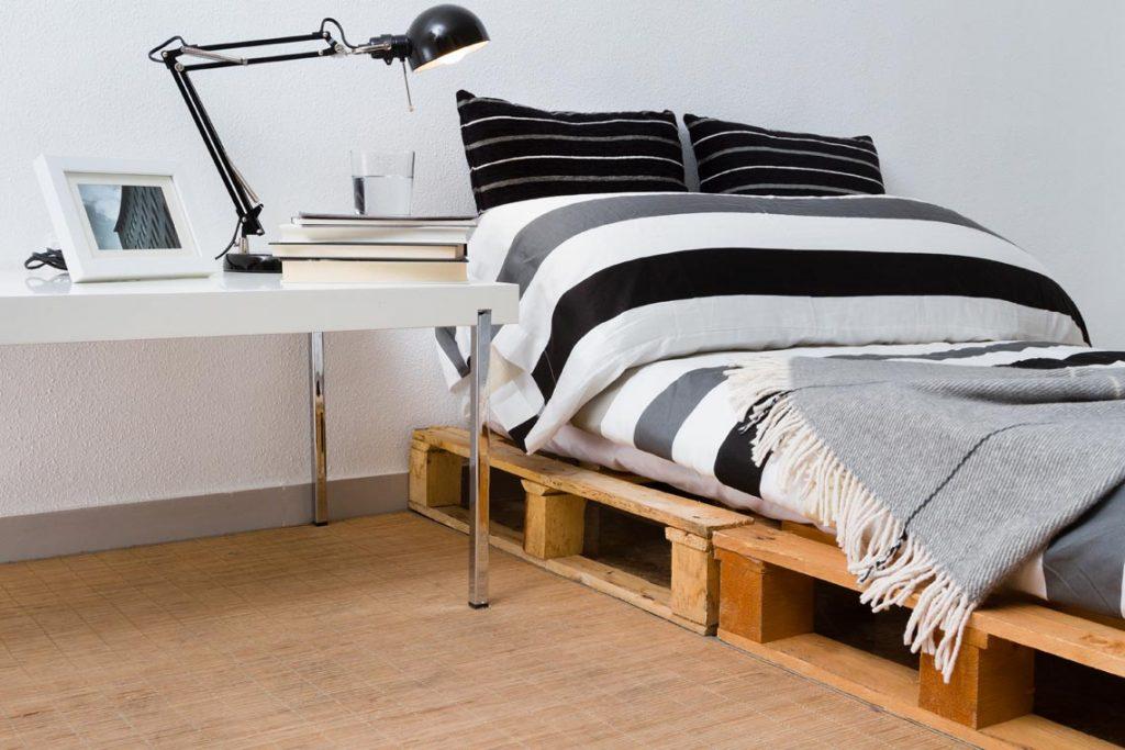 cama feita de peletes