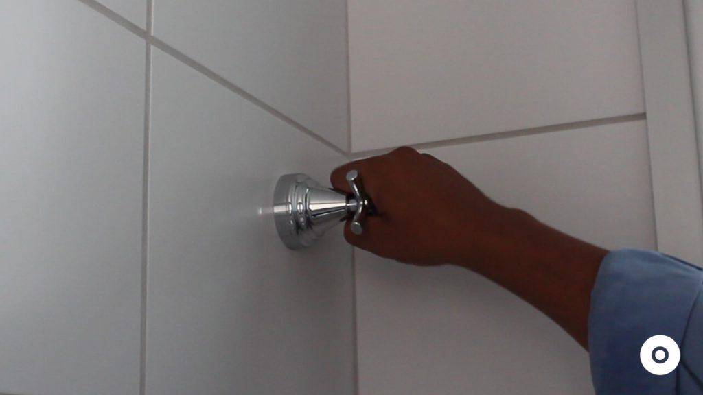 assistencia tecnica como consertar o vazamento no engate flexível do vaso sanitário (11)