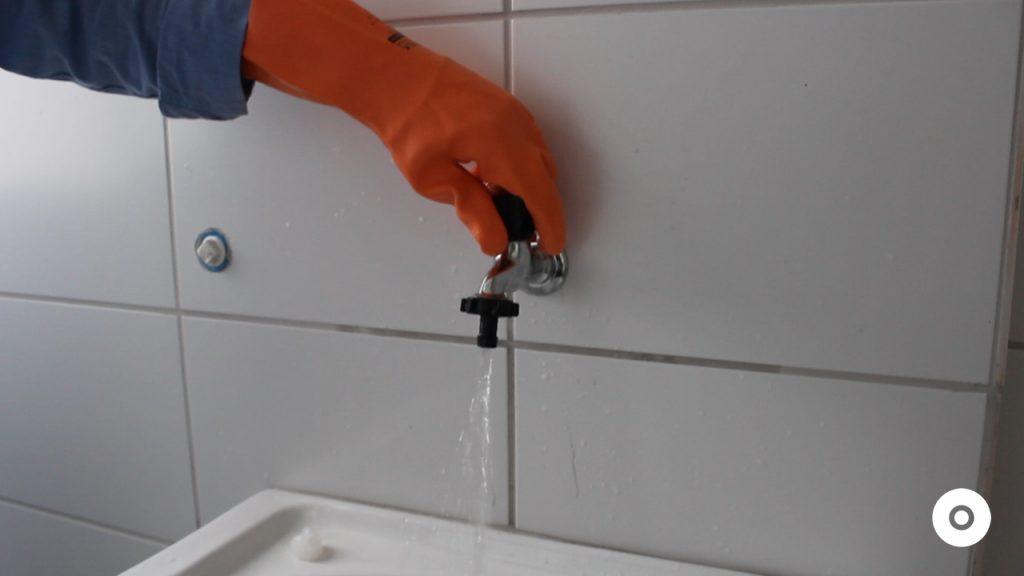 limpeza do ralo da area de servico (6)